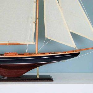 Große Segler-Yacht
