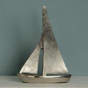 """""""Segelyacht"""" aus Aluminiumguss"""
